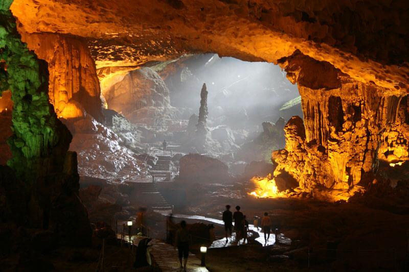 Angkor Tours Vietnam Halong-öböl