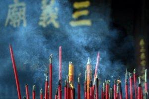 Dél-Kína körutazás füstölők Angkor Tours