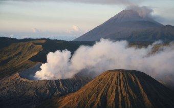 Indonezia015 A Tűzgyűrű néhány láncszeme