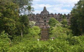 Indonézia073 Borobudur, a nemzetközi kereskedelem gyümölcse