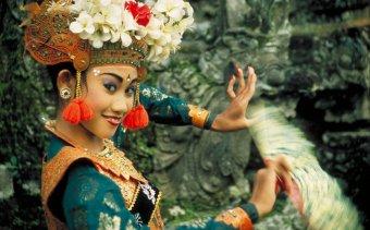 Indonézia143 A legong talán a legnépszerűbb tánc Balin