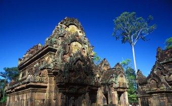 KAMBODZSA Banteay Srei kőcsipkés szentélyei