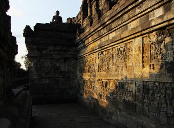 Angkor Tours-Indonézia-Borobudur