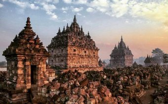 Indonézia Angkor Tours1