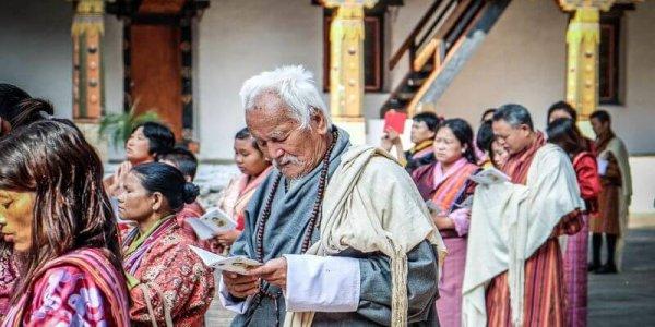 Bhután22 Angkor Tours